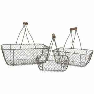 Lot Of Primitive Style Rust Brown Chicken Wire Egg Gathering Basket Wood Handle