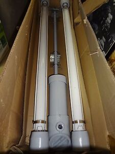 Cooper Crouse Hinds Fluorescent T8 Hazardous Location Light Evfdr22029 unv New