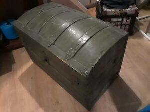 Antique Steamer Trunk Bride Chest Saratoga Barrel Dome Top Floral Tin W