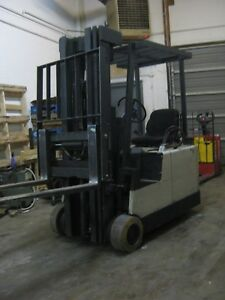 Crown 3 Wheel Electric Forklift Tight Turning Radius 3 Stage Mast