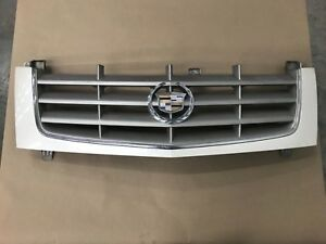 2002 2006 Cadillac Escalade Grille Grill Front Bumper Emblem Oem 004890489 White