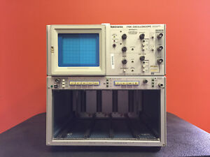 Tektronix 7104 1 Ghz For 7000 Series Plug ins Oscilloscope Mainframe Tested
