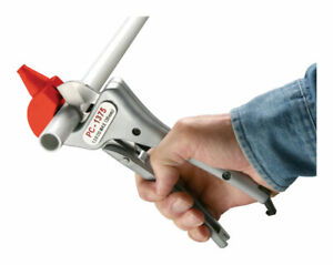 Ridgid Plastic Pipe And Tubing Cutter Single Stroke 1 375 Od Pack 1