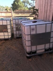 275 Gallon Caged Ibc Tote Water Tank no Shipping
