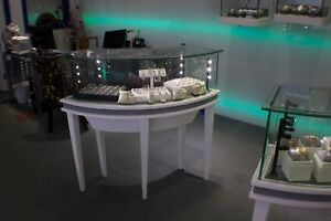 Jewelry Display Showcase White Wooden Curve Frame W Led Light Clear Glass Curve