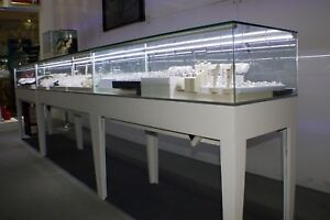 60 Clear Glass Rectangular Displaying Showcase With White Wooden Frame With Led