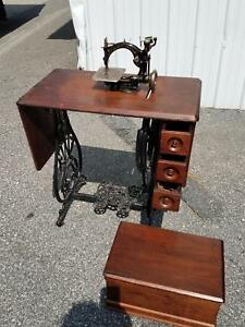 Antique Wilcox Gibbs Sewing Machine Wood Cover Cast Iron Base Manual Foot Pedal