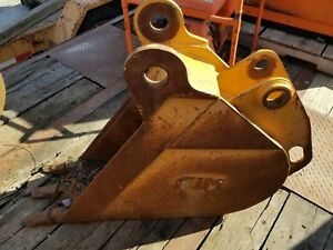 12 Case 580n Backhoe Bucket
