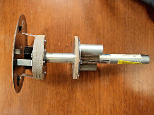 Hubbell Pt4x4fit Through floor Fitting Cover And Flange