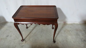 Henkel Harris Tea Table Mahogany 29