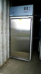 Thermo Electron 3940 29cf Incubated refrigerated Environmental Chamber Gray Top