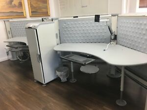 Herman Miller Resolve 5 5 x5 5 Cubicle W Dog Bone Layout And Cabinets