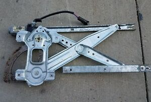 99 12 Ford F 2 50 250 F 350 350 F 450 Rear Passenger Window Regulator W Motor