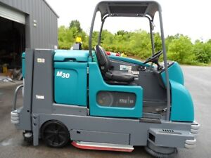 Tennant M30 Sweeper scrubber L p Totally Serviced Mitsubishi Eng Only 142 Hrs