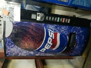 Dixie Narco 501e Soda Drink Machine takes Bill coins can bottle warranty support