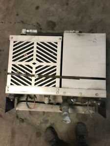 Green River Hydraulic Oil Cooler In Excellent Condition For Wet System App