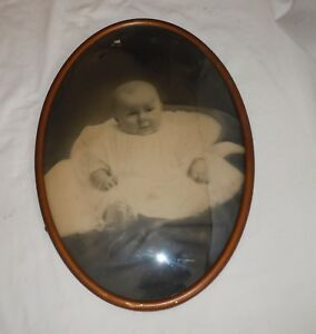 Vtg Adorable Baby Picture Brass Oval Picture Frame Convex Bubble Glass 14 X20