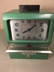 Vintage Acroprint Heavy Duty Time Recorder Punch Time Clock 125ar3 With Key