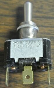 Cutler hammer 7547k40 Toggle Switch 3 position Center Off New Surplus Lot Of 10