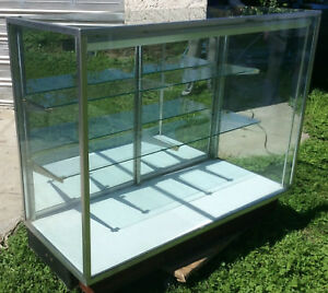 Glass Display Showcase With 2 Shelves Light And Mirror Doors