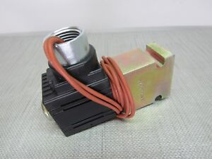 Parker B08 2 6t Valve Base With S8lc Coil