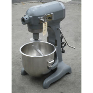 Hobart 20 Quart A200 Mixer Used Great Condition