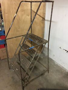 4 Step 38 Tall Rolling Ladder