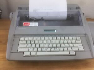 Brother Sx 4000 Electronic Typewriter W Lcd Display Cover