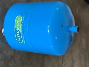 Well x trol Wx 200 In line Well Water Pressure Tank 14 Gallons