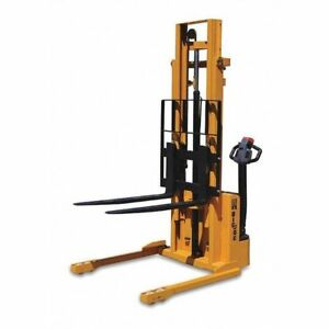 Straddle Stacker 2200 Lb 82 1 2 H