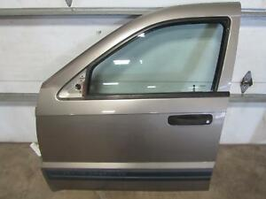 05 07 Jeep Grand Cherokee Right Front Door Passenger Side Glass Gold Tan