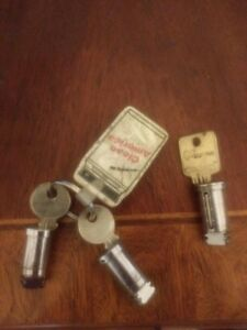 Used Medeco Locks Cylinder Plug Keys Vending Machine For Parts
