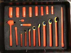Cementex Insulated 31 Piece Tool Kit With Heavy Duty Carrying Case And Mat new