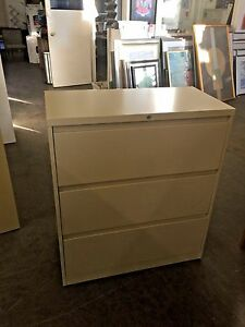 3dr 36 wx18 dx41 1 2 h Lateral File Cabinet By Steelcase 900 Series W Lock