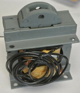 General Electric Cr9503206bab457 Solenoid Pull Type 110v 60hz New Surplus