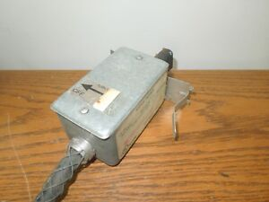 Starline Busway Tap Box Ob60 15 4tl 1 fuse 15a 300v Disconnect Used