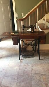 Antique Singer Sewing Machine 66