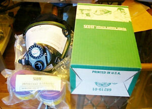 Scott Respirator New Size Small With 2 Combination Filters Free Shipping