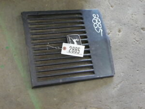 John Deere 210 Lawn Tractor Grill Tag 2885