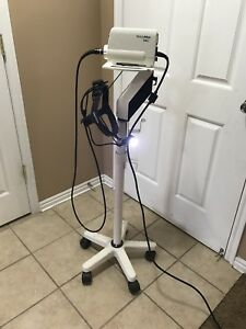 Welch Allyn N344 Solarc Surgical Light Source On Rolling Cart With Headpiece