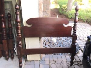 Vintage Pair Of John Wanamaker Twin Poster Beds