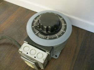Powerstat Variable Transformer W Outlets Good Condition