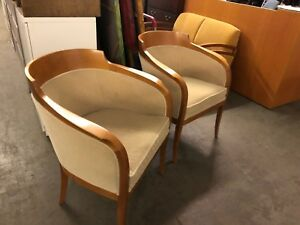Lot Of 2 Lobby Guest side Chairs By Bernhardt In Light Cherry Finish Wood Base