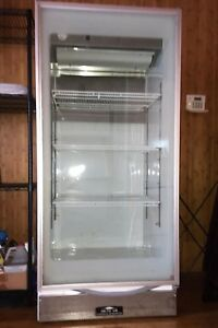 Arctic Air Gdr22cwrf0 Commercial Refrigerator 1 Glass Door Very Good Condition