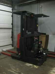 Caterpillar Electric Forklift 3 Stg Mast 5000 Cap Low Hours Good Condition