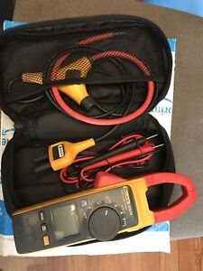 Preowned Fluke 374 Fc True Rms Digital Clamp Meter W Iflex Amp Cable