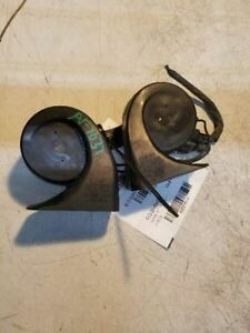 05 06 07 08 09 10 11 Cadillac Sts Horns Oem 25789208