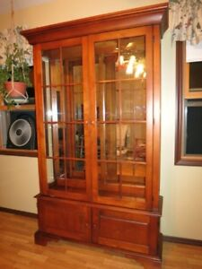 Cherry China Curio Cabinet Hard Wood Mirrored 3 Glass Shelves Lighted Display