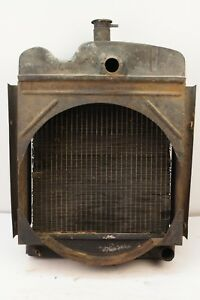 Radiator With Fan Shroud Late Model Oliver 550 Gas Utility Tractor White 2 44