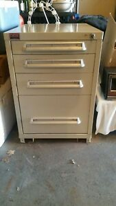 4 Drawer Lyon Locking Tool Cabinet Vidmar